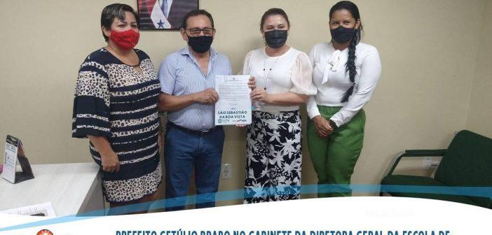 Prefeito Getúlio Brabo em reunião com a Diretora Geral Evanilze Marinho da Escola de Governança Pública do Estado do Pará (EGPA)